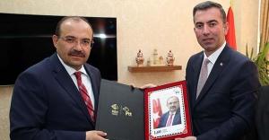 Akbulut'tan Vali Ustaoğlu'na ziyaret