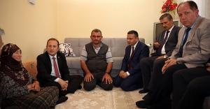 Vali Pehlivan, Şehit Muammer Gür'ün ailesini ziyaret etti