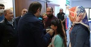 Tedavi gören şehit babası Karakaşoğlu'na ziyaret