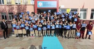 Bayburt Belediyesi'nden okullara kitap desteği