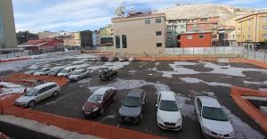 Kapalı otoparklar araç parkına açıldı