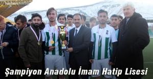 Liselerde şampiyon Bayburt Anadolu İmam Hatip Lisesi