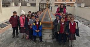 'İffet Anıtı'na öğrenci turları