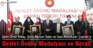 Şehit Aileleri ve Gaziye 'Devlet Övünç Madalyası ve Beratı'