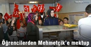Bayburtlu öğrencilerden Mehmetçik'e mektup