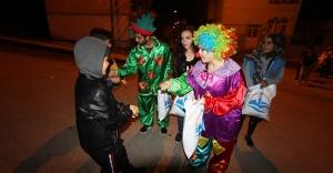 Bayburt Belediyesi 'onbeşi' dağıttı