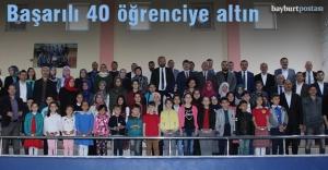 Bayburt Kültür ve Yardım Derneği'nden 40 öğrenciye altın