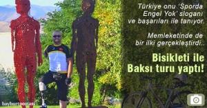 Bisikleti ile Baksı Müzesi turu yaptı!