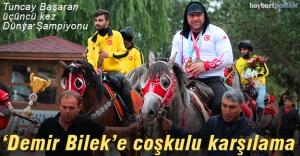Dünya Şampiyonu Tuncay Başaran'a coşkulu karşılama