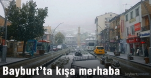 Bayburt'a mevsimin ilk karı düştü