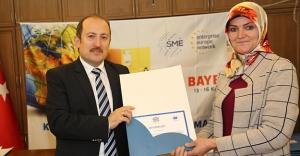 Dış Ticaret Pazarlama Eğitimi alan KOBİ'lere sertifika