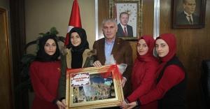 Öğrencilerden Başkan Memiş'e Öğretmenler Günü kutlaması
