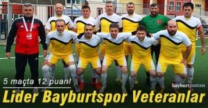 Bayburtspor Veteranlar bölgesel ligde lider