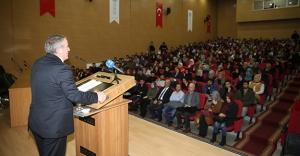 Prof. Ayengin'den 'İnsan Hakları' konulu konferans
