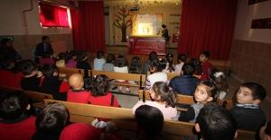 Okullarda Hacivat Karagöz Oyunu