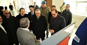 Ağbal, Bayburt Üniversitesi Kütüphanesi ve Yaşam Merkezi'ni gezdi