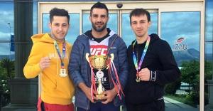 Bayburt Üniversitesi öğrencisi boksta Türkiye Şampiyonu