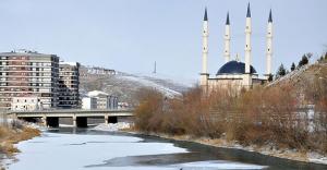 Karadeniz'de kar, Çoruh'da buz!