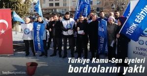 Türkiye Kamu-Sen üyeleri bordrolarını yaktı