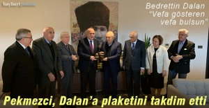 Başkan Pekmezci Dalan'a Vefa Ödülünü Takdim Etti