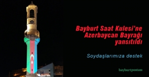 Bayburt Saat Kulesi'nde Azerbaycan Bayrağı