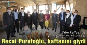 Türkiye'de yılın ahisi seçilen Recai Purutoğlu kaftanını giydi