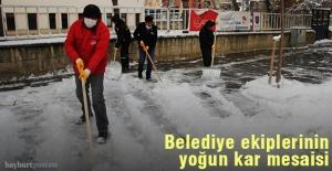 Bayburt Belediyesi, karla mücadele ediyor