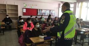 """Jandarmadan """"Yüz yüze Eğitim"""" uygulaması üzerinden trafik eğitimi"""