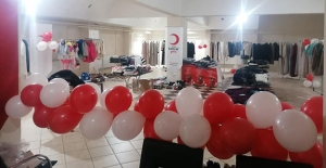 Türk Kızılayı, Demirözü'nde butik mağaza açtı
