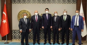 Başkan Pekmezci'den Bakan Kurum'a ziyaret