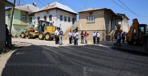 Aydıncık köyünde asfalt çalışması