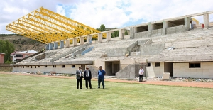 Gençosman Stadyumu tribün inşaatı devam ediyor