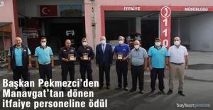 Başkan Pekmezci'den Manavgat'tan Dönen İtfaiye Personeline Plaket