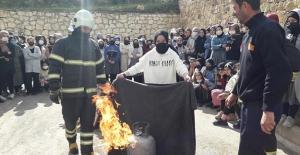 Bayburt Kız Anadolu İmam Hatip Lisesi'nde Yangın Tatbikatı