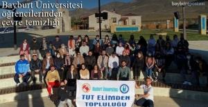 Bayburt Üniversitesi öğrencilerinden çevre temizliği