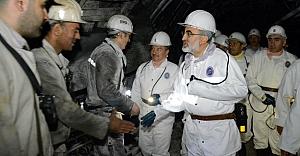 Bakan Yıldız, ilk iftarını madencilerle yaptı