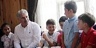 Başkan Memiş, çocukları ağırladı