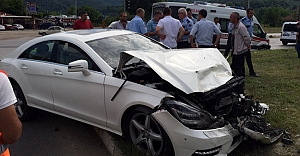 Aydıntepe yol ayrımında kaza, yaralılar var!