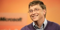 Bill Gates koltuğunu kaptırdı!