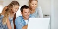 Çocuklarınızı internette yalnız bırakmayın!