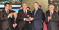 Cumhurbaşkanı Erdoğan'dan Bayburt Grup'a ödül