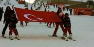 Kayak kursunu tamamlayan 250 çocuğa sertifikaları verildi