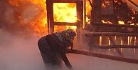 Kozluk'ta yangın: 6 ev kül oldu!