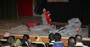 Minik Kalpler #039;Çanakkale Ruhu#039;nu yaşattı