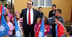 """Özbek: """"AK Parti hizmete devam ediyor"""""""
