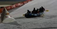 Palandöken'de kayak ve rafting gösterisi