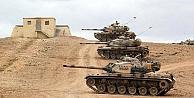 Türk tankları sınırda teyakkuz halinde