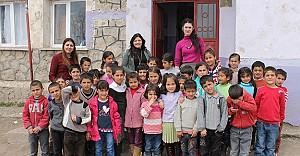 Üç kadın öğretmen, çocukların umudu oldu