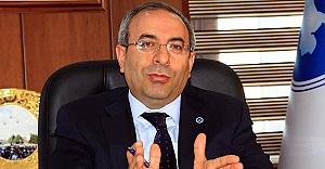 YYÜ'de oylar Prof. Battal'a gitti