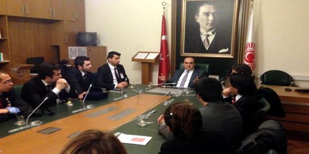 Yeditepeli öğrencilerden Özbek'e ziyaret
